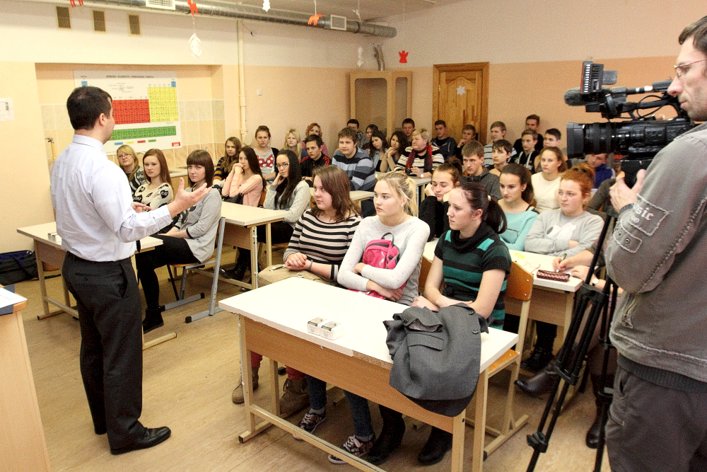 Matthew Thompson delivers Career development training in Latgale