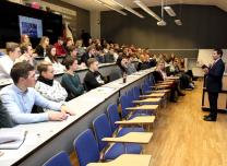 Start Strong uzņēmējdarbības kurss Rīgas Biznesa skolā